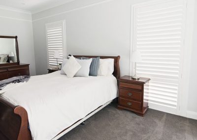 hp-white-hinge-masterbedroom